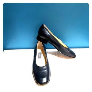 Women's Bally Navy Blue Flats Size 7.5